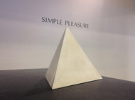 三角錐オブジェ