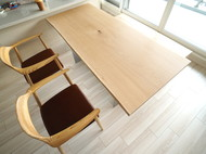 ナラ一枚板ダイニングテーブル、ベンチ、アームチェア
