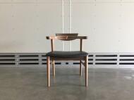 腰の椅子 背もたれ木製 / 座面本革