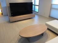 札幌市中央区 N様 特オリジナルテレビボード、特注楕円ローテーブル(棚付き) 白オイル仕上