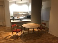 札幌市東区 円形ダイニングテーブルと pepe arm chair / 宮崎椅子製作所