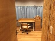 ナラ無垢昇降式デスク、ランドセル用キャビネット、昇降、キャスター仕様腰の椅子