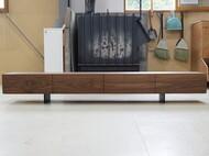 オリジナルテレビボード ウォールナット無垢 スチール脚 函館 モデルハウス