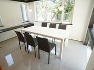 札幌市中央区 S様邸 特注ダイニングテーブル、ローテーブル 白色鏡面仕上げ