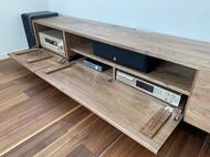 複数 AV機器を思いのままに収納 / 特注テレビボード / 旭川家具