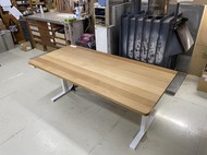 ナラ無垢材昇降式テーブル